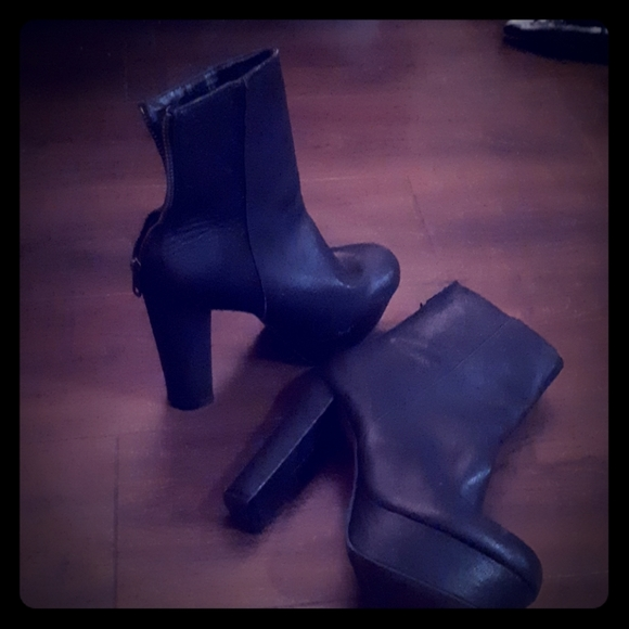 Leather Ankle boots with 4-5 inch heel